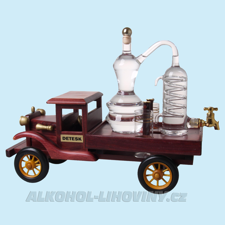 Náklaďák s destilačním přístrojem + 2 štamprle